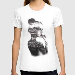 Vagabond // Fashion Illustration T-shirt