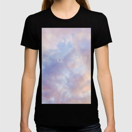 Pink sky / Photo of heavenly sky T-shirt