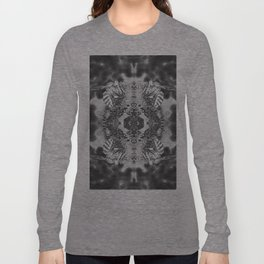 bees black and white Long Sleeve T-shirt