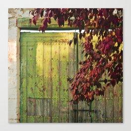 La portada verde y el otoño Canvas Print