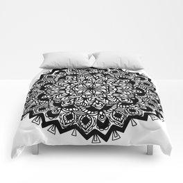 Mandala: detailed and hand-drawn Comforters