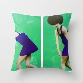ALLA RICERCA DI ME STESSA - FUGA 1&2 Throw Pillow