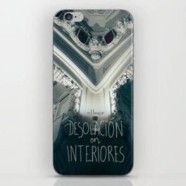 Desolación en interiores iPhone Skin