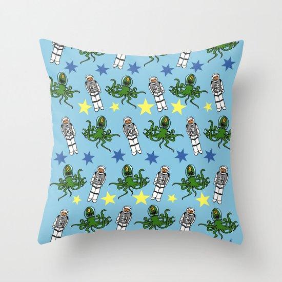 Aliens & Astronauts pattern Throw Pillow