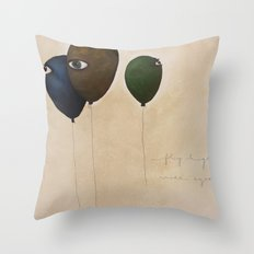 fly high wide eyes Throw Pillow