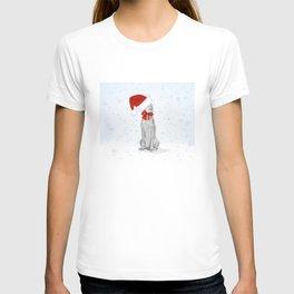 STANTA WEIMARANER IN THE SNOW T-shirt