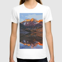 The Wonderful Maroon Bells in Autumn T-shirt