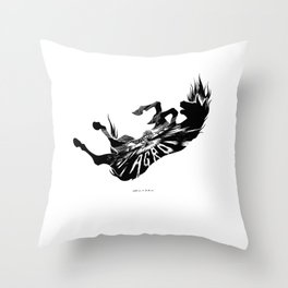 Shadow of the Colossus: Agro's fall Throw Pillow