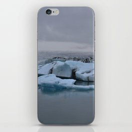 Beautiful glacial lake Jökulsárlón iPhone Skin