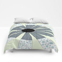 FLOWERY SIMONE / ORIGINAL DANISH DESIGN bykazandholly Comforters
