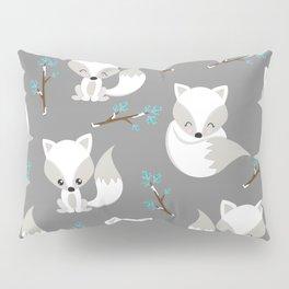 ARCTIC FOXES ON GREY Kissenbezug