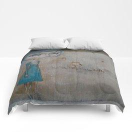 Marcescent Comforters