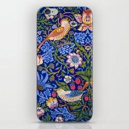 """William Morris """"Strawberry Thief"""" 1. iPhone Skin"""