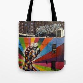 NY Kobra kiss Tote Bag