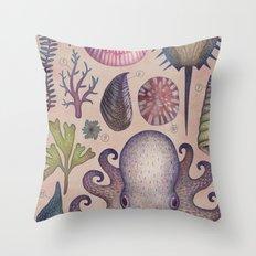 Aequoreus vita V / Marine life V Throw Pillow