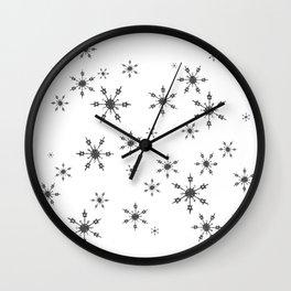Crochet Impressions: SNOWFLAKE[s] Wall Clock