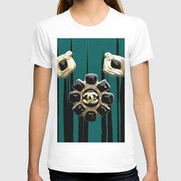 vintage coco jewlery gold glamour fashion green T-shirt