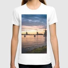 Windmills at sunset T-shirt