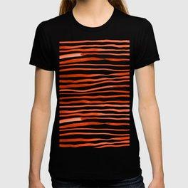 Irregular watercolor lines - orange T-shirt