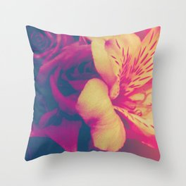 vibrant flowers Throw Pillow