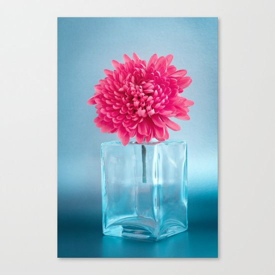 LE NOBLE - Pink flower in blue glass vase Canvas Print