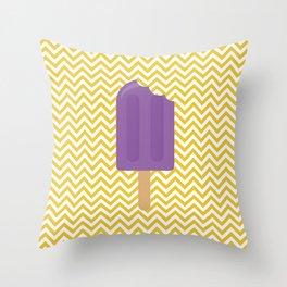 Sorvete 7 Throw Pillow