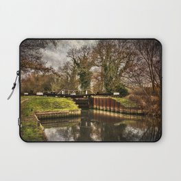 Sulhamstead Lock on the Kennet and Avon Laptop Sleeve