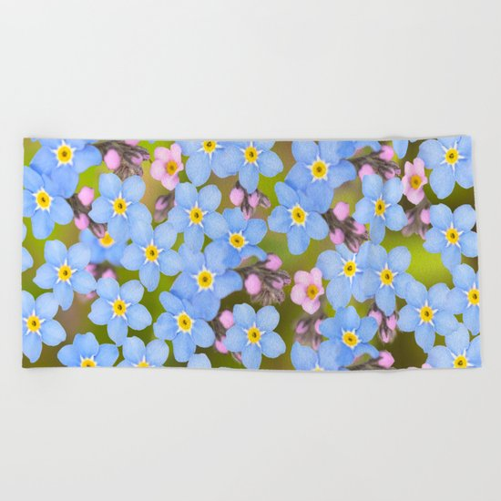Forget-me-not flowers and buds - summer meadow Beach Towel