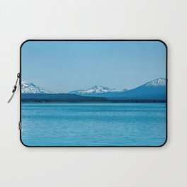Visit Oregon // Amazing State with Incredible Scenic Views of Blue Lakes and Snowy Peaks Laptop Sleeve