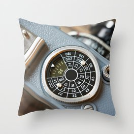 Wheel to set control sensitivity retro camera Throw Pillow