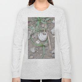 shell in the garden Long Sleeve T-shirt