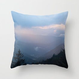 Sunrise Streaming through the Clouds Throw Pillow
