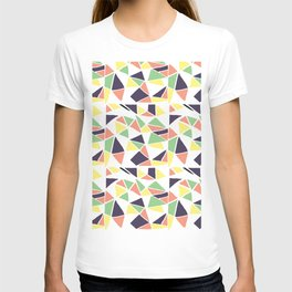 Seamless mosaic pattern triangles T-shirt
