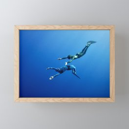 The romantic simultaneous freedive into the depth Framed Mini Art Print