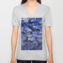 Leaves and bark in blue - the little beauties of nature Unisex V-Neck