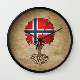 Vintage Tree of Life with Flag of Norway Wall Clock