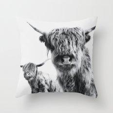 LULU & SARA - Scottish Highland Cows Throw Pillow