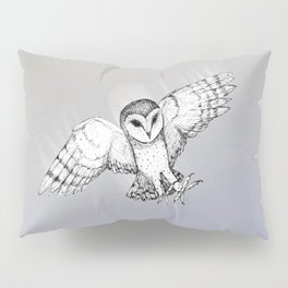 Attacking barn owl Pillow Sham