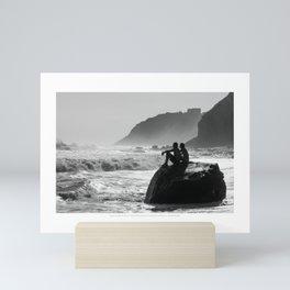 Block Island in Black and White (Couple at Mohegan Bluffs) Mini Art Print