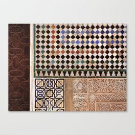 Details in The Alhambra Palace. Gold courtyard Canvas Print