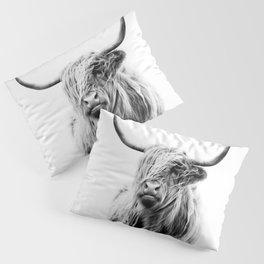 portrait of a highland cow Kissenbezug
