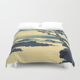 Looking Left at Hine Duvet Cover