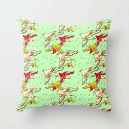 nid de coucou Throw Pillow