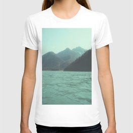 Desolation is beyond the horizon - Diablo Lake T-shirt
