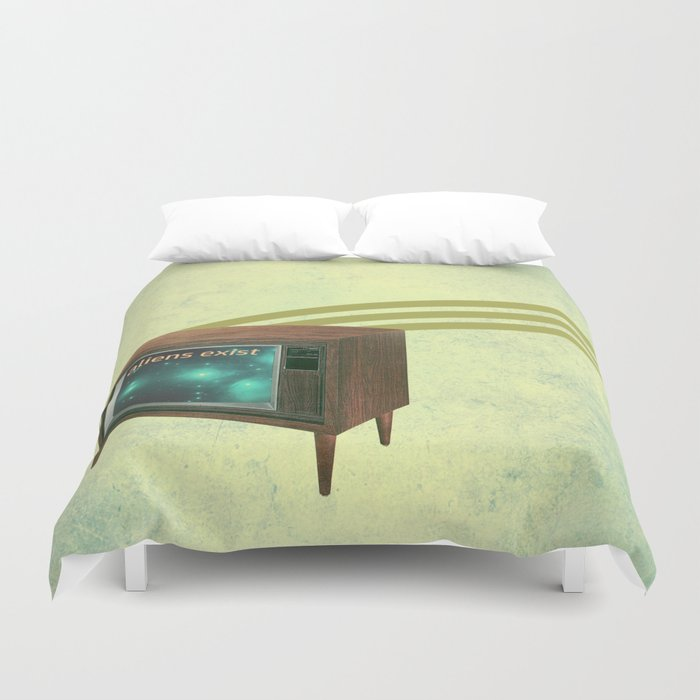 aliens exist - and anything else on tv Duvet Cover