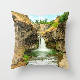 Pictures USA White River Falls State Park Cliff Nature Waterfalls park Rock Crag Parks Throw Pillow