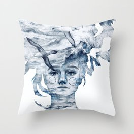 I am the sea and nobody owns me Throw Pillow