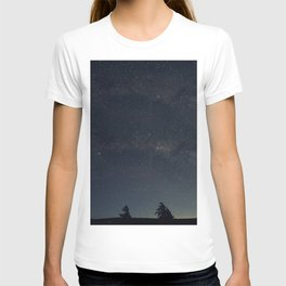 Starry night over the trees T-shirt