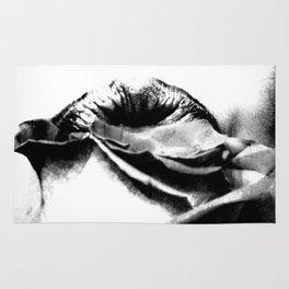 Rose Noir Rug