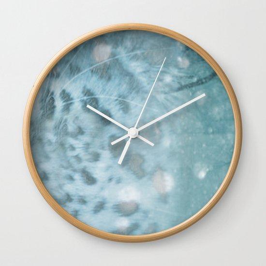 Snow Leopard day Wall Clock